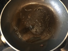 Deglaze the frying pan with red wine